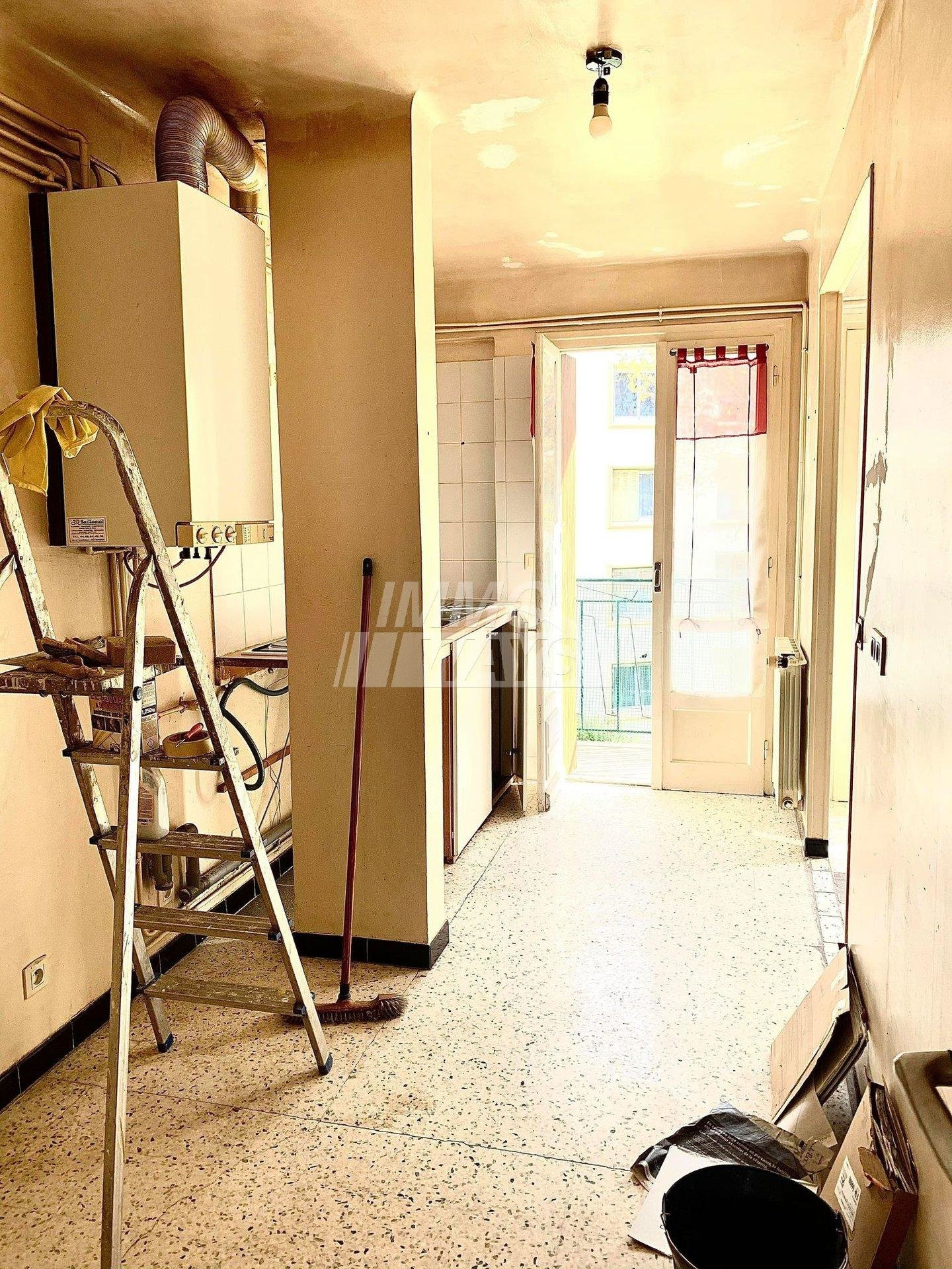 property_areas:3 property_flooring:4